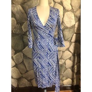 DVF Julian Blue and White wrap dress size 2